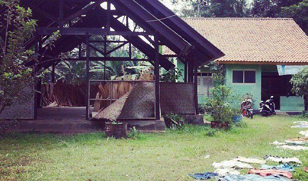 rumah desa indonesia