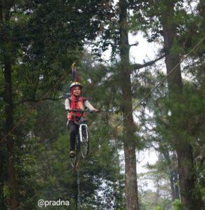 blogger flying bike palawi baturraden